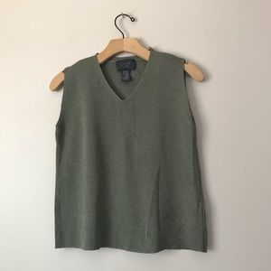 Cyntea Steffe olive green top v-neck